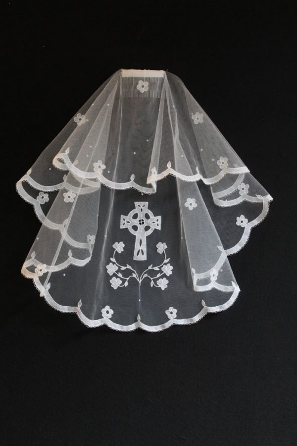 Carrickmacross LaceCarrickmacross Lace Veil