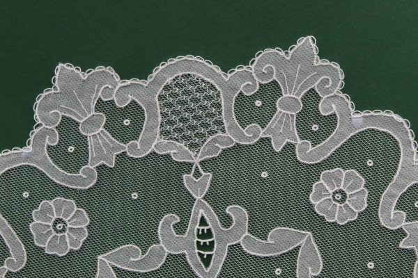 Carrickmacross Lace Large Flower & Filling
