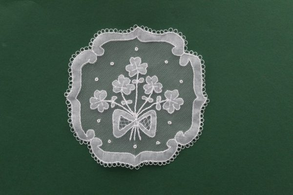 Carrickmacross Lace Square Bow & Shamrocks Kit