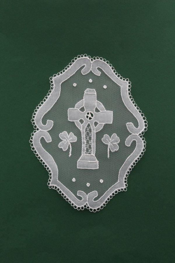 Carrickmacross Lace Celtic Cross Oval
